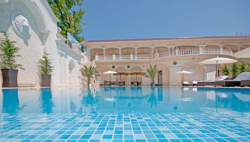 Villa le Premier - Odessa - Pool