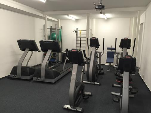 Plus Prague Hostel - Prague - Gym