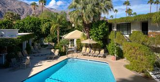 East Canyon Hotel And Spa - Palm Springs - Building