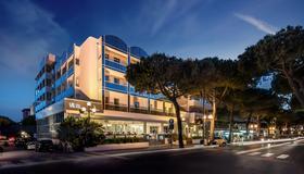 Hotel Villa Rosa Riviera - Rimini - Building