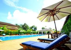 Tinidee Hotel @ Ranong - Ranong - Pool