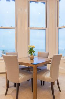 Chatsworth Hotel, a member of Small Luxury Hotels of the world - Eastbourne - Dining room