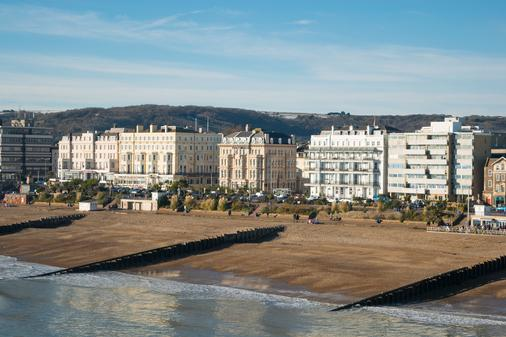 Chatsworth Hotel, a member of Small Luxury Hotels of the world - Eastbourne - Beach