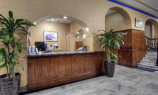Monarch Hotel - San Francisco - Front desk