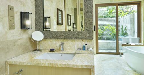 Resorts World Sentosa - Beach Villas - Singapore - Bathroom