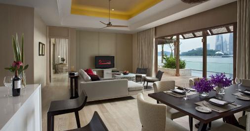 Resorts World Sentosa - Beach Villas - Singapore - Living room