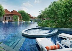 Resorts World Sentosa - Beach Villas - Singapore - Pool