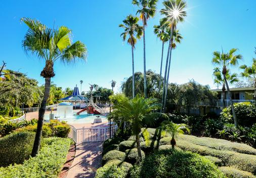 Quality Inn and Conference Center - Tampa - Outdoor view