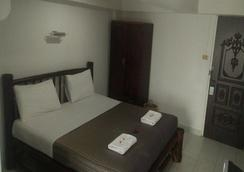 Divers Inn - Karon - Bedroom