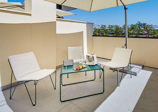 Hotel Sercotel Malaga an Ascend Hotel Collection Member - Malaga - Balcony