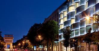 Renaissance Paris Arc de Triomphe Hotel - Paris - Building
