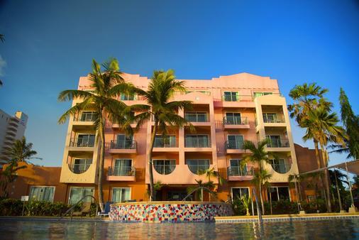 Hotel Santa Fe Guam - Tamuning - Building
