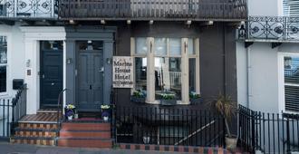Brighton Marina House Hotel - B&B - Brighton - Building