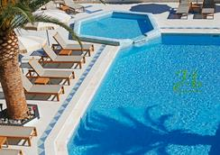 Hotel Corsica - Calvi - Pool