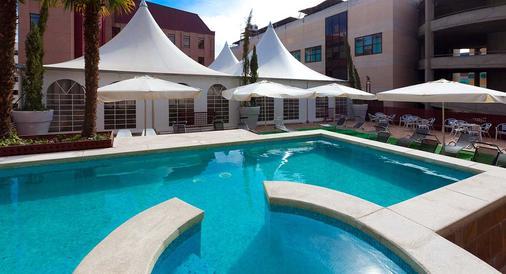 Hotel Dome Las Tablas - Madrid - Pool