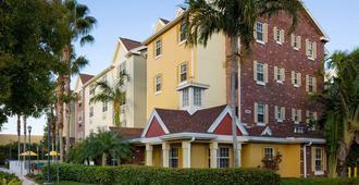Towneplace Suites Miami Airport West / Doral - Doral - Building