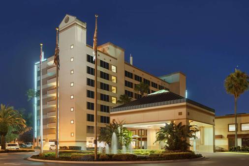 Ramada Kissimmee Gateway - Kissimmee - Building