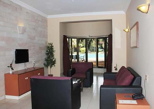 Treasure Island Resort - Lonavala - Living room