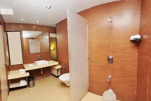 Treasure Island Resort - Lonavala - Bathroom