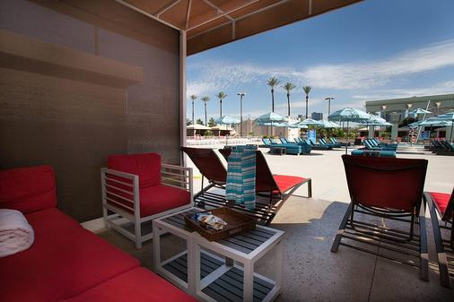 Luxor Hotel and Casino - Las Vegas - Patio
