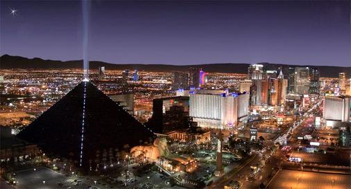 Luxor Hotel and Casino - Las Vegas - Outdoor view