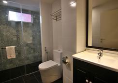 Bloommaze Boutique Hotel - Puchong - Bathroom