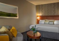 Courtyard by Marriott Atlanta Norcross/Peachtree Corners - Norcross - Bedroom
