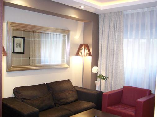 Washington Parquesol Suites & Hotel - Valladolid - Bedroom