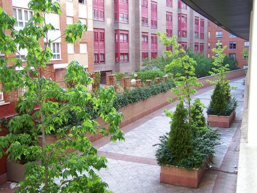 Washington Parquesol Suites & Hotel - Valladolid - Outdoor view