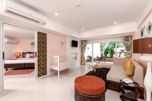 Thavorn Palm Beach Resort Phuket - Karon - Bedroom