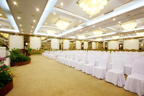 Thavorn Palm Beach Resort Phuket - Karon - Hallway