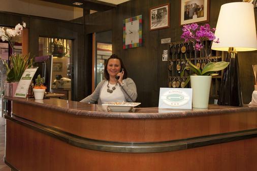 Hotel Menfi - Jesolo - Front desk