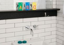 Pod 39 - New York - Bathroom