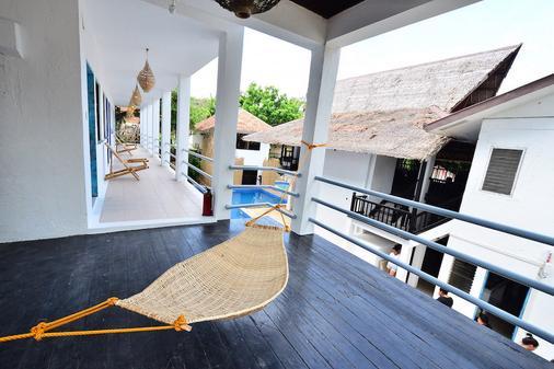 Mad Monkey Hostel Boracay - Malay - Stairs