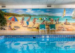 Sunbridge Hotel & Conference Centre Downtown Windsor - Windsor - Pool
