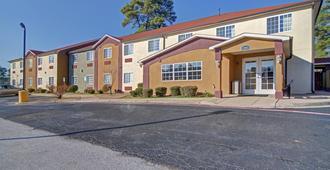 Hometown Inn & Suites - Longview - Outdoor view