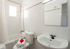 Sun Club El Dorado - El Arenal - Bathroom
