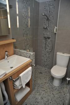 Hotel Espace Cité - Carcassonne - Bathroom