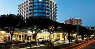 Mind Hotel Slovenija - LifeClass Hotels & Spa - Portoroz - Building