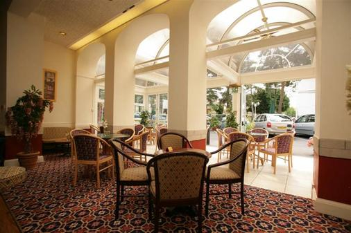 Elstead Hotel - Bournemouth - Patio
