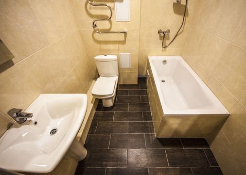 Hotel Pelikan - Krasnodar - Bathroom