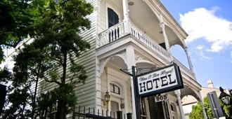 Nine-O-Five Royal Hotel - New Orleans - Building