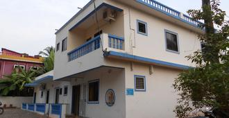Casa Almeida Guest House - Candolim - Building