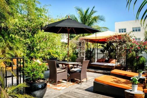 Chesterfield Hotel & Suites - Miami Beach - Patio