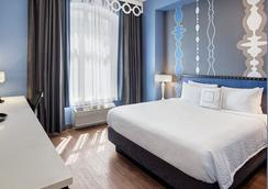 Fairfield Inn & Suites by Marriott Chicago Downtown/Magnificent Mile - Chicago - Bedroom