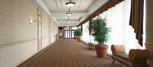 Tower Hotel Oklahoma City - Oklahoma City - Hallway