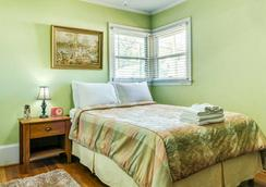 The Hargett Bed and Breakfast - Raleigh - Bedroom