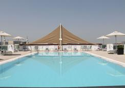 J5 Hotels - Port Saeed - Dubai - Pool