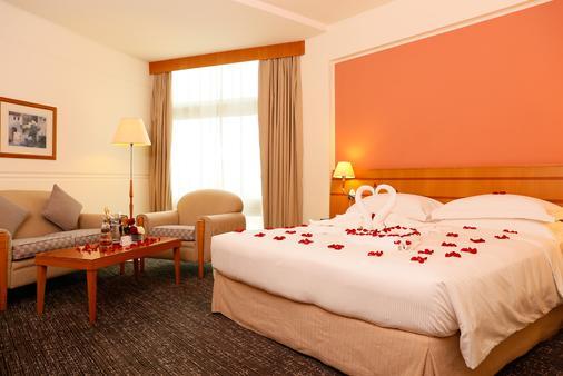 J5 Hotels - Port Saeed - Dubai - Bedroom