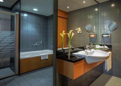 J5 Hotels - Port Saeed - Dubai - Bathroom